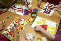 Het schilderen van kinderen stock foto
