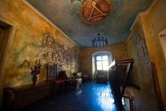 Het schilderen van muur met Vlad Tepes binnen een café Stock Foto