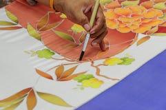 Het schilderen van traditionele Thaise stijl inheemse met de hand gemaakte batic stof Royalty-vrije Stock Fotografie