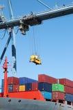 Het schip en de kraan van de container Stock Afbeeldingen