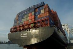 Het schip van de container bij dok royalty-vrije stock afbeeldingen