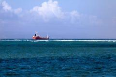 Het Schip van de container op de oceaan Stock Foto