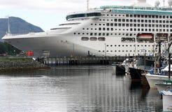 Het Schip van de cruise in Alaska Stock Fotografie