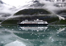 Het schip van de cruise in Alaska stock afbeeldingen