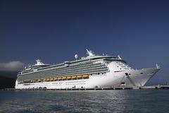 Het Schip van de cruise in de Caraïben Stock Afbeeldingen
