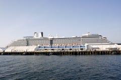 Het Schip van de cruise in de Pijler Royalty-vrije Stock Afbeelding