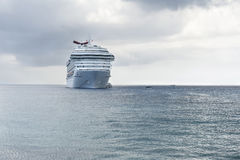 Het schip van de cruise en tandems Royalty-vrije Stock Foto's