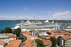 Het schip van de cruise in haven Royalty-vrije Stock Fotografie