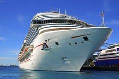 Het Schip van de cruise in Haven Stock Fotografie