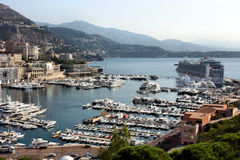 Het Schip van de cruise in Haven van Monte Carlo stock foto's