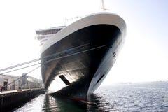 Het Schip van de cruise in het dok Stock Fotografie