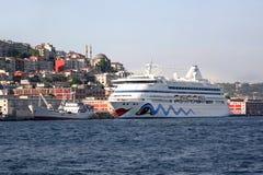 Het schip van de cruise, Istanboel - Turkije Stock Foto