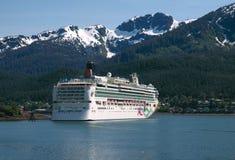 Het Schip van de cruise in Juneau, Alaska Royalty-vrije Stock Afbeeldingen