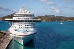 Het Schip van de cruise in St. Thomas Stock Foto