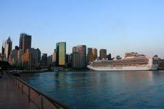 Het Schip van de cruise in Sydney, Australië. Stock Foto's