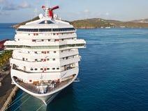 Het Schip van de Cruise van de luxe dat bij Haven op St Thomas wordt gebonden Royalty-vrije Stock Foto