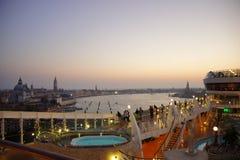Het schip van de cruise in Venetië Royalty-vrije Stock Afbeelding