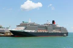 Het schip van de koninginvictoria cruise bij Southampton Dokken Engeland het UK royalty-vrije stock foto