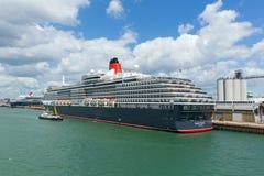 Het schip van de koninginvictoria cruise bij Southampton Dokken Engeland het UK stock foto