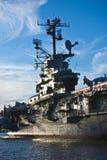 Het schip van de oorlog in een haven Royalty-vrije Stock Foto