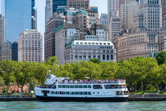 Het schip van de toeristencruise, Manhattan Royalty-vrije Stock Foto