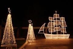 Het schip van Kerstmis bij nacht royalty-vrije stock afbeelding