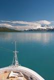 Het schipboog en landschap van de cruise royalty-vrije stock afbeeldingen
