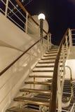 Het schipdek van de cruise bij nacht Stock Afbeeldingen