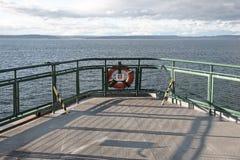 Het schipdek van de veerboot met het levenspreserver Royalty-vrije Stock Fotografie