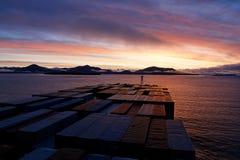 Het schiphoofden van de container in Prins Rupert bij zonsopgang