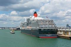 Het schipsouthampton van de koninginvictoria cruise Dokken Engeland het UK stock afbeeldingen
