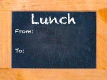 Het schoolbord van de lunchtijd Stock Foto's