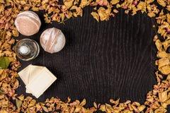 Het schoonheidsmiddel van het kuuroordbad Aromatherapy met natuurlijke zeep en bom Hygiëneontspanning voor lichaam royalty-vrije stock fotografie