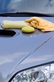 Het schoonmaken van de Auto Stock Fotografie