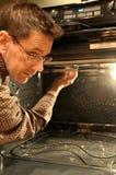 Het Schoonmaken van de oven Stock Fotografie