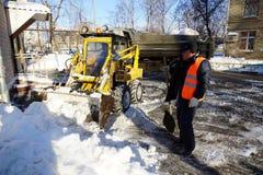 Het schoonmaken van de sneeuw Royalty-vrije Stock Foto