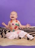 Het schreeuwen van weinig babymeisje Royalty-vrije Stock Afbeeldingen