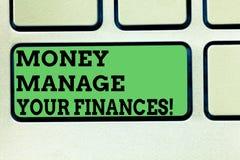 Het schrijven de nota die Geld tonen beheert Uw Financiën De bedrijfsfoto demonstratie maakt goed gebruik van uw inkomens het Inv stock foto's
