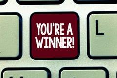 Het schrijven de nota die u tonen aangaande is een Winnaar Bedrijfsfoto demonstratie het Winnen als 1st plaats of kampioen in a stock foto's