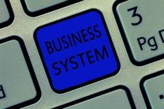 Het schrijven nota die Bedrijfssysteem tonen Bedrijfsfoto die a-methode om de informatie van organisaties demonstreren te analyse stock foto's