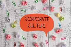 Het schrijven nota die Collectieve Cultuur tonen Bedrijfsfoto die doordringende waarden en houdingen demonstreren die a kenmerken royalty-vrije stock afbeelding