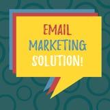 Het schrijven nota die E-mail Marketing Oplossing tonen Bedrijfsfoto die helpend klanten om hun problemenstapel van Toespraak op  vector illustratie