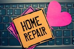 Het schrijven nota die Huisreparatie tonen Bedrijfsfoto demonstratieonderhoud of het verbeteren van uw eigen huis door zich die h royalty-vrije stock afbeelding