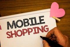 Het schrijven nota die het Mobiele Winkelen tonen Mens van de de Aankoop Draadloze Verkoop van bedrijfsfoto de demonstrerende Kop stock foto's