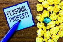 Het schrijven nota die Persoonlijke bezittingen tonen Bedrijfsfoto demonstratiedingen dat u bezit en het met Beweegbaar u kunt ne royalty-vrije stock afbeeldingen