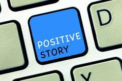 Het schrijven nota die Positief Verhaal tonen Bedrijfsfoto die Zinvolle en motiverende het Succeslepel demonstreren van het artik royalty-vrije stock afbeeldingen