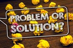 Het schrijven nota die Probleem of Oplossingsvraag tonen De bedrijfsfoto demonstratie denkt Analyse oplos die Conclusie Betimmerd royalty-vrije stock afbeelding