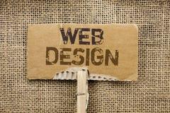 Het schrijven nota die Webontwerp tonen Van het de Lay-outmalplaatje van het bedrijfsfoto demonstratieweb van de Webpaginawebdesi stock afbeeldingen