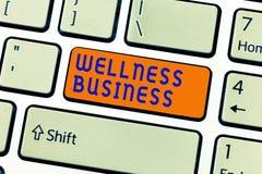 Het schrijven nota die Wellness-Zaken tonen Bedrijfsfoto die Professionele onderneming demonstreren die de gezondheid van mening  royalty-vrije stock fotografie