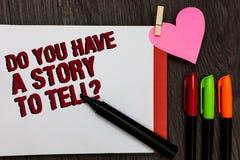 Het schrijven nota het tonen u heeft een Verhaal om vraag te vertellen Bedrijfsfoto die Storytelling-de Ervaringenvette letters d royalty-vrije stock foto's